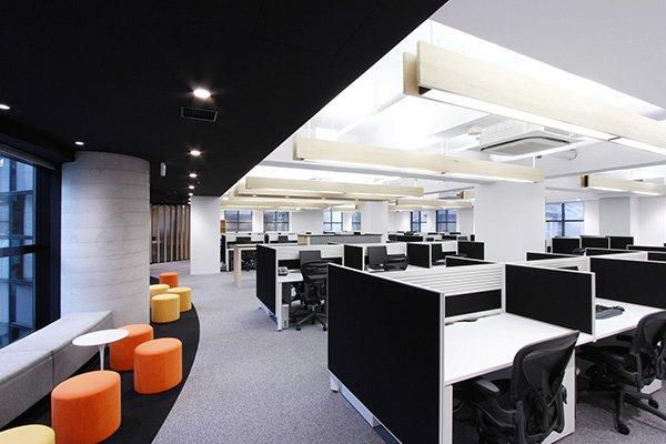 Pentru un mediu de lucru placut si impecabil de curat apelati la firma de curatenie birouri Bucuresti Clean Solution